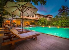 Aditya Resort - Galle - Piscina