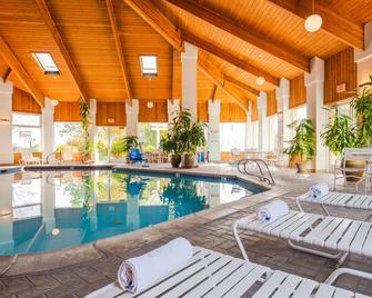 Best Western Plus Corning Inn - Corning - Bazén