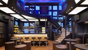 Hotel Hafen Hamburg - Hamburg - Bar