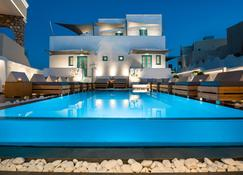 Evgenia Villas & Suites - Thera - Pool