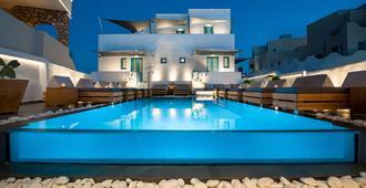 埃維吉尼亞別墅及套房酒店 - 聖托里尼 - 希拉 - 游泳池