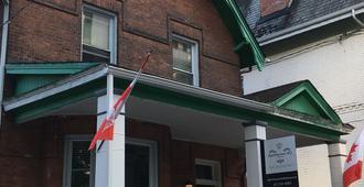 BackpackersHQ - Ottawa - Edificio