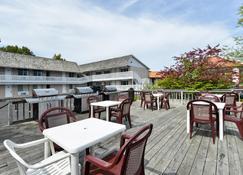 Americas Best Value Inn Mackinaw City - Мэкинау-Сити - Здание