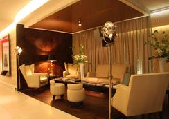 The Vincent Hotel - Southport - Lounge