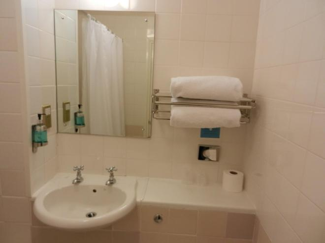 The Schoolhouse Hotel - Swindon - Bathroom