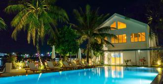 The B Resort - Kampot - Pool