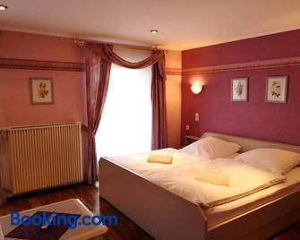 Gasthaus 'Zur alten Dorfschmiede' - Bitburg - Bedroom