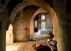 Sextantio Le Grotte Della Civita - Matera - Bedroom