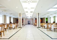 Best Western Plus Atakent Park Hotel - Αλμάτι - Εστιατόριο