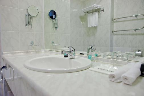 Best Western Plus Atakent Park Hotel - Αλμάτι - Μπάνιο