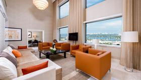 Intercontinental Miami, An IHG Hotel - Miami - Living room