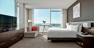 Calgary Airport Marriott In-Terminal Hotel - Calgary - Bedroom