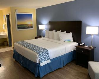 Days Inn by Wyndham Beaumont - Beaumont - Bedroom