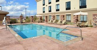 Holiday Inn Express & Suites Page, An IHG Hotel - Page - Pool