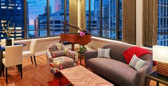 The Tremont Chicago Hotel at Magnificent Mile - Chicago - Living room