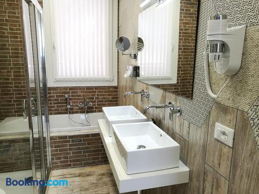 Residence Eleonora - Sottomarina - Bathroom