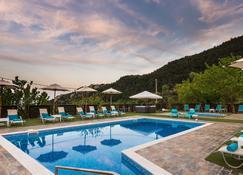 Ilaeira Mountain Resort - Lacédémon - Piscine