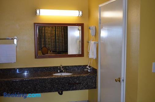Cloud 9 Inn LAX - Inglewood - Bathroom