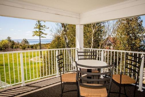 The Inn At Stonecliffe - Mackinac Island - Balcony