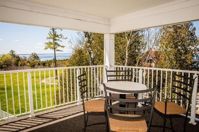 The Inn At Stonecliffe - Mackinac Island - Balcon