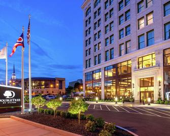 DoubleTree by Hilton Youngstown Downtown - Youngstown - Building