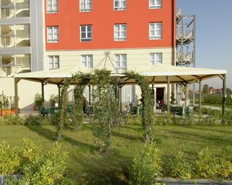 Charme - Prato - Edificio