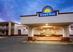 Days Inn by Wyndham Shelby - Shelby - Building