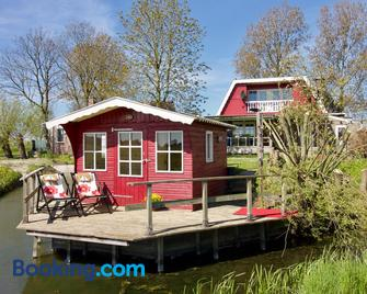 Bed & Breakfast 'Bij Lucie' - Wytgaard - Building