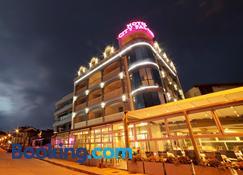 City Palace Hotel - Ohrid - Bygning