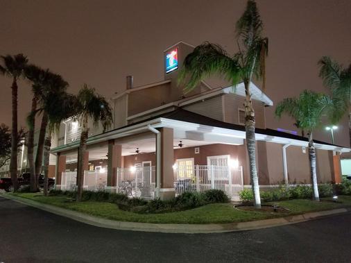 麥卡倫 6 號開放式公寓酒店 - 麥卡倫 - 麥卡倫 - 建築