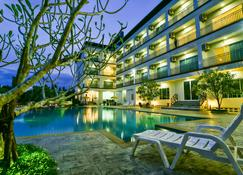 Southgate Residence Hotel - Chumphon - Pileta