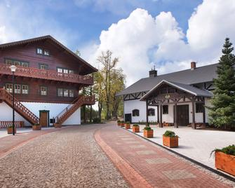 Dworzysko Hotel & Restaurant - Szczawno-Zdrój - Building