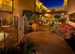 Best Western Plus Beach View Lodge - Carlsbad - Building