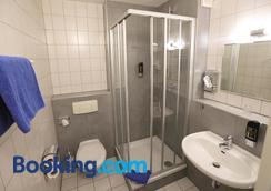 Hotel 7 Saulen - Dessau-Rosslau - Bathroom