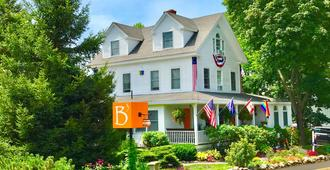 Bourne Bed & Breakfast - Ogunquit - Building