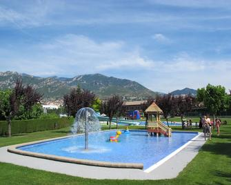 Berga Resort - Berga - Zwembad