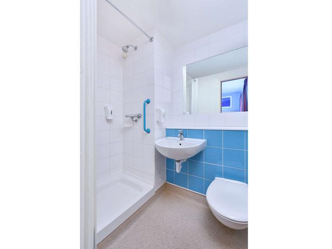 Tl Stansted Great Dunmow - Great Dunmow - Bathroom