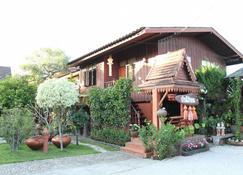 Baan Maihorm Guesthouse - Chiang Rai - Building