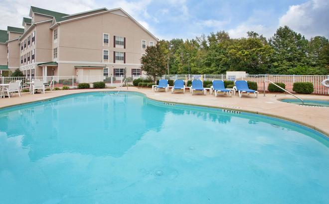 Country Inn & Suites by Radisson, Aiken, SC - Aiken - Pool