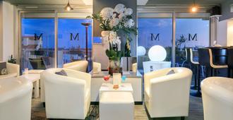 Best Western Hôtel Méditerranée Menton - מאהטו - לובי