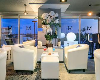Best Western Hôtel Méditerranée Menton - Menton - Resepsjon