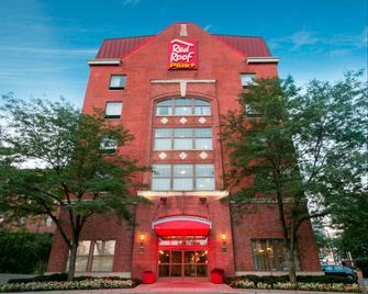 Red Roof Inn Plus+ Columbus Downtown - Convention Center - Columbus - Edificio