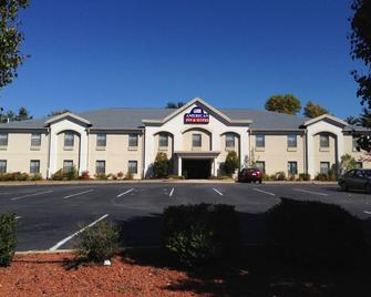 American Inn & Suites - High Point - High Point - Building