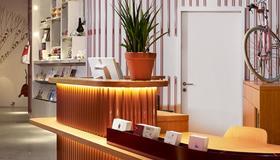 25hours Hotel Zürich West - Zúrich - Recepción
