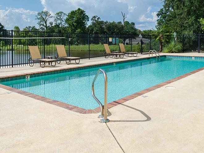 La Quinta Inn & Suites by Wyndham Biloxi - Biloxi - Pool