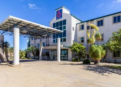 Motel 6 Harlingen Tx - Harlingen - Rakennus