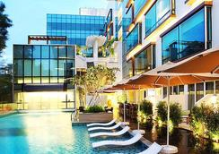 Park Regis Singapore - Сингапур - Бассейн