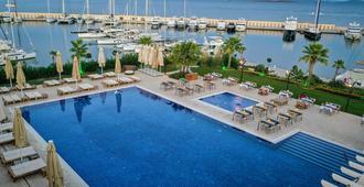 Yacht Club - Didim - Pool