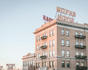 Mizpah Hotel - Tonopah - Building