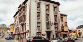 Hotel El Sella - קאנגאס דה אוניס - בניין